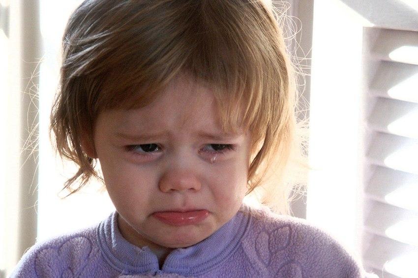Crying-girl_WikiCommons_EvanAmos.jpg