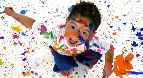 kid-painting-