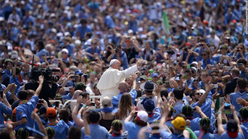 150901100917-pope-francis-scouts-super-169