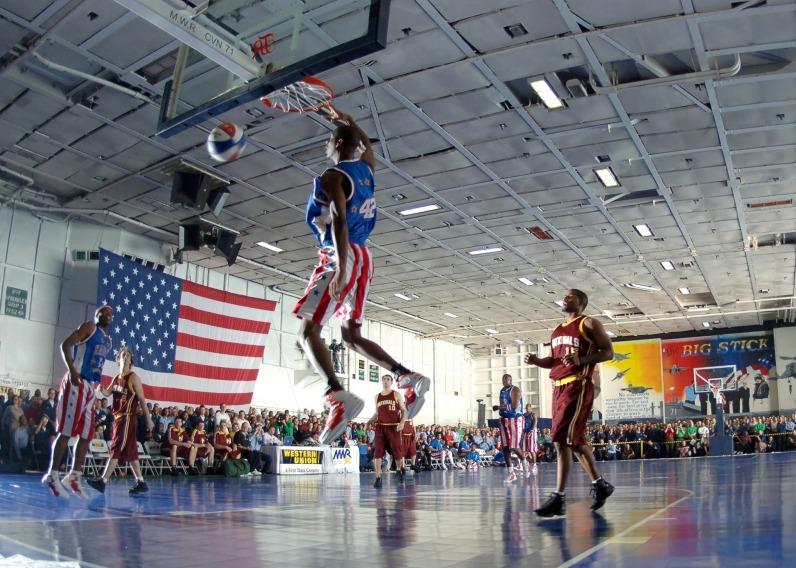 basketball-81775_1920