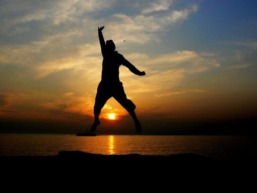 jump_______to_reach_the_sun_by_isagok.jpg
