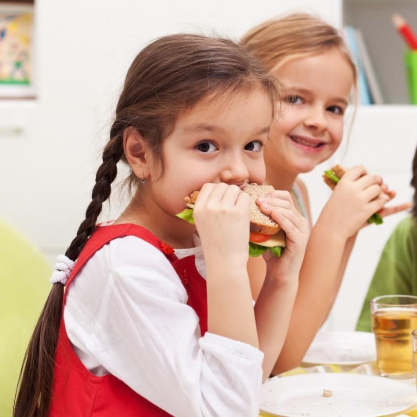 kids-enjoying-sandwiches-1024x1024-963x963