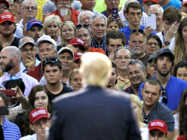trump-crowd-boo-ap-photoevan-vucci-640x480