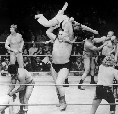 1977-0114-andre-the-giant-mike-adams-battle-royal